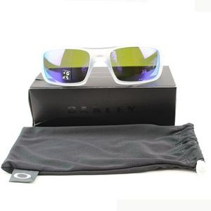 Oakley Sunglasses Violet Iridium Polarized Lens